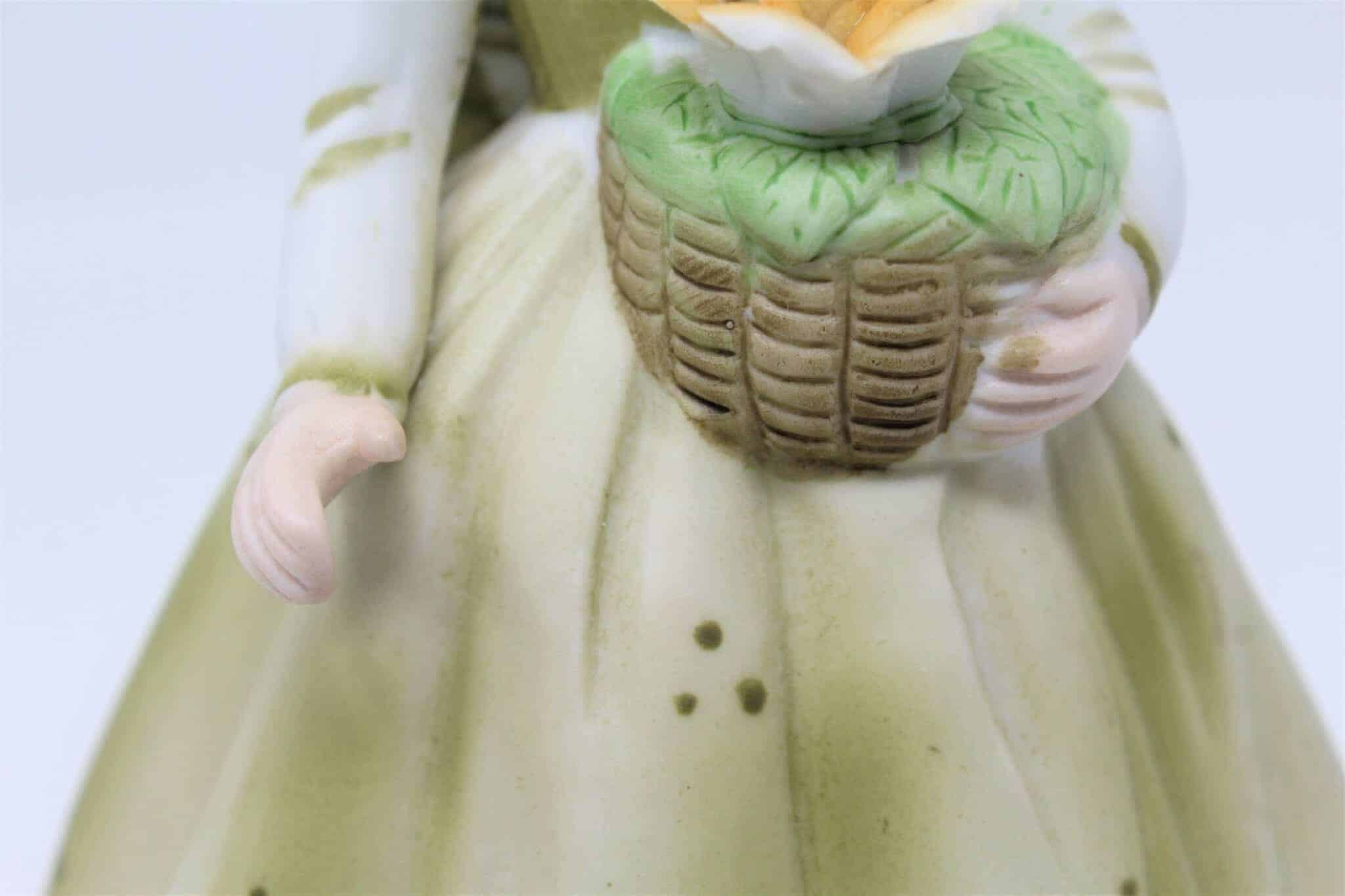 """Figurine, Musical, """"Le Vie en Rose"""", Girl in Green Dress- Collectibles, SOLD"""