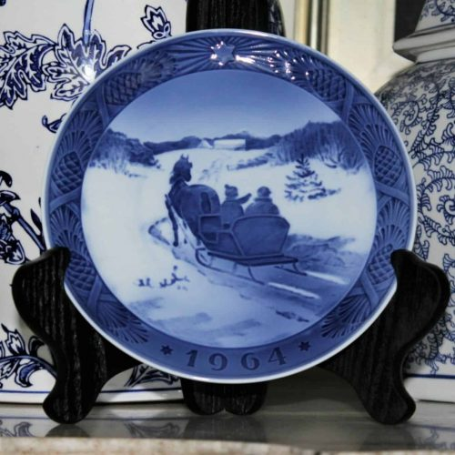 "Decorative Plate, Christmas Royal Copenhagen 1964, ""Fetching The Christmas Tree"", Kai Lange"