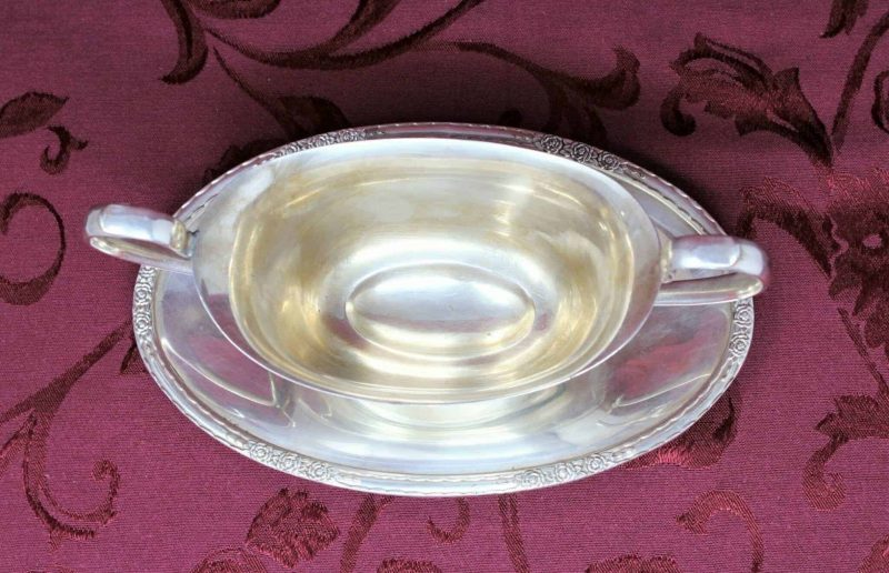 """Gravy Boat Silverplate with attached Underplate, """"Camille"""" International Silver 6013 Holloware"""