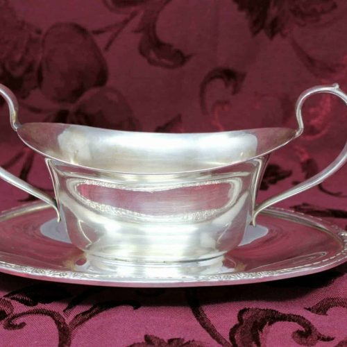 "Gravy Boat Silverplate with attached Underplate, ""Camille"" International Silver 6013 Holloware"