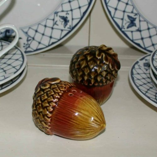 Salt and Pepper Shakers, Acorn Shaped Ceramic, Fall Decor