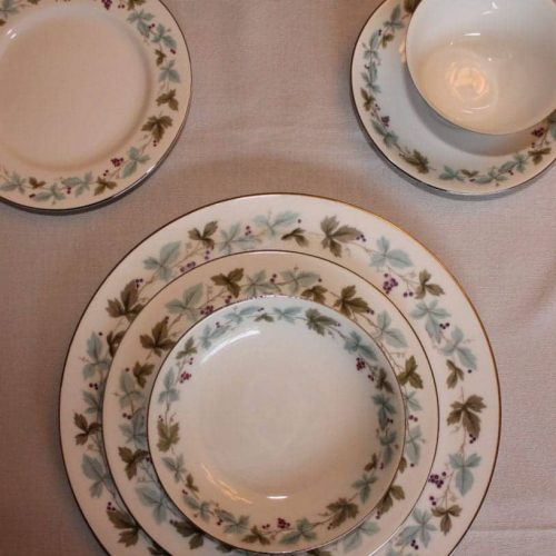 "Dinnerware Complete Service for 4, ""Vintage 6701"", 6 Pc Place Settings by Fine China of Japan"