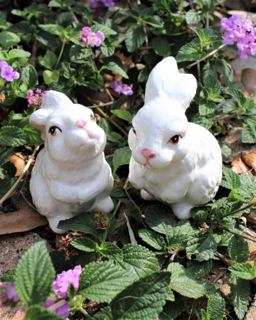 Figurines, Bunny Rabbits, Hand Painted Porcelain, Midwest Importers, Set of 2