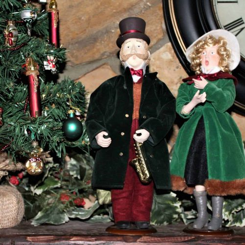 Carolers Christmas Victorian Figurines, Set of 2